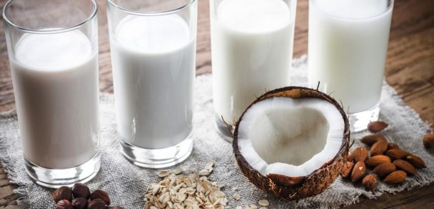 tipos de leche en vasos