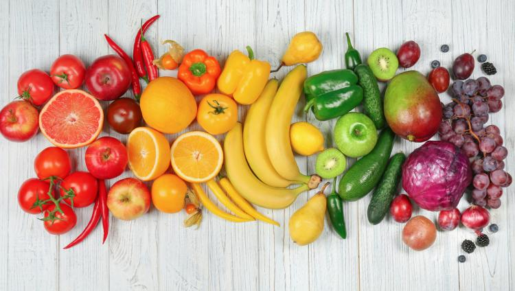 Frutas y verduras de diferentes colores