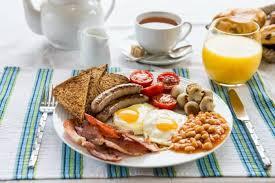 Desayuno en la mesa para evitar la fatiga