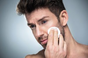 limpieza de rostro con vello facial