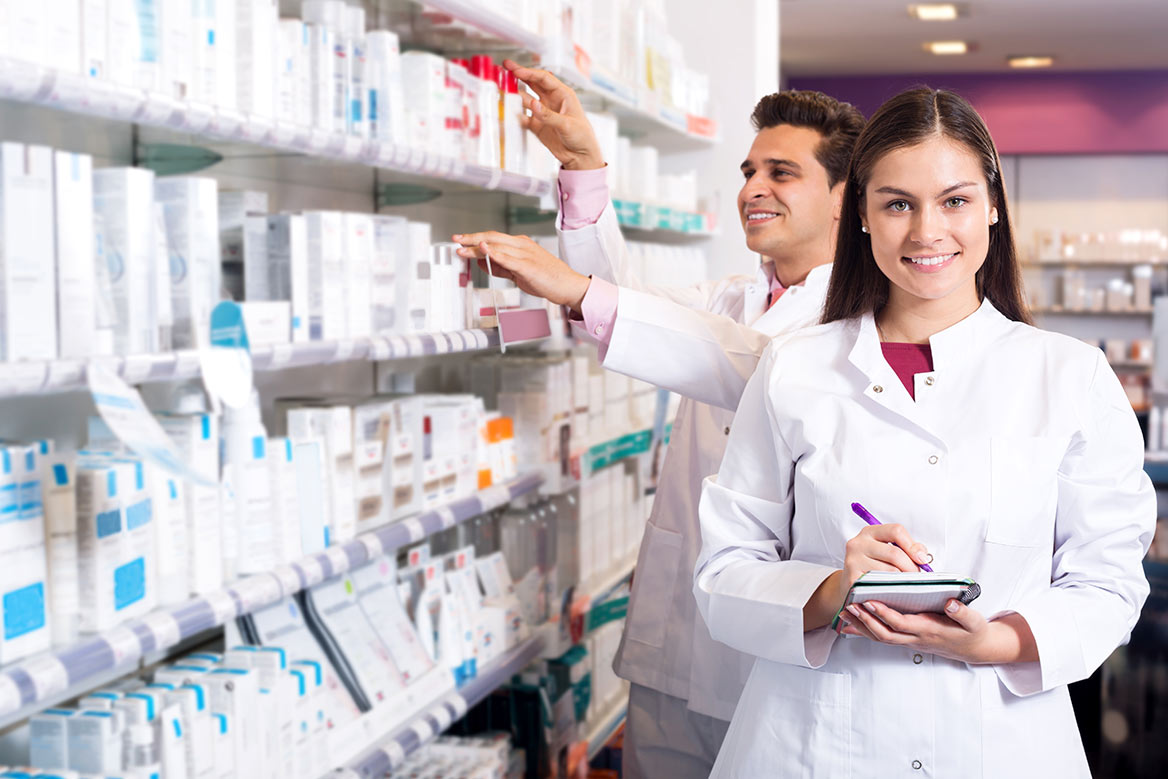 Mujer vendiendo aspirina de aurax