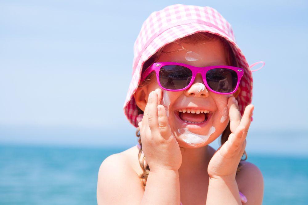 cómo proteger a tu hijo del sol